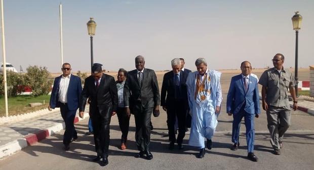 الصحراء الغربية:رئيس مفوضية الإتحاد الإفريقي في زيارة لمخميات اللاجئين الصحراويين